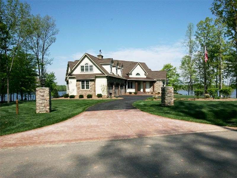 Lake house property entrance